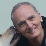 """""""Wyprawa po skarb – dlaczego nie, w dobrym towarzystwie"""" – rozmowa z Dominikiem W. Rettingerem, autorem książki """"Talizmany"""""""