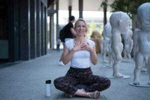 Joanna Nogaj - mindfulness - medytacja z uśmiechem